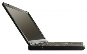 709746_my_thinkpad_-_sideview